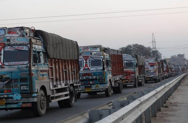 petrol diesel prices rise traders declare bharat bandh for gst review