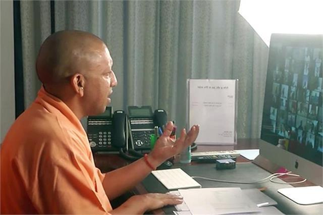 cm yogi gave instructions to officials regarding ganga expressway