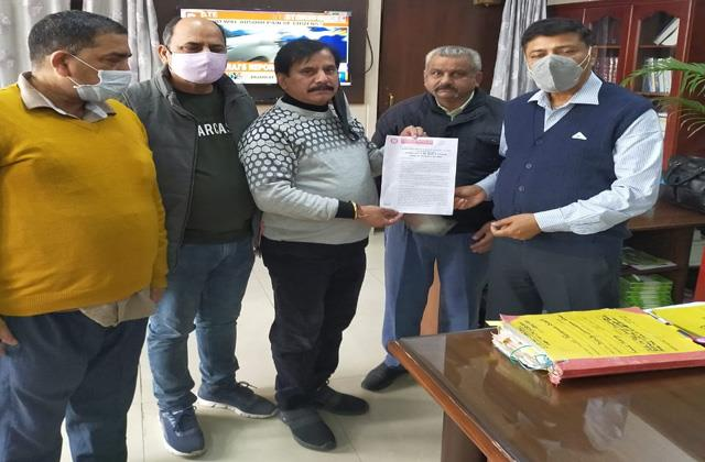 samba shopkeepers demand relaxation in gst