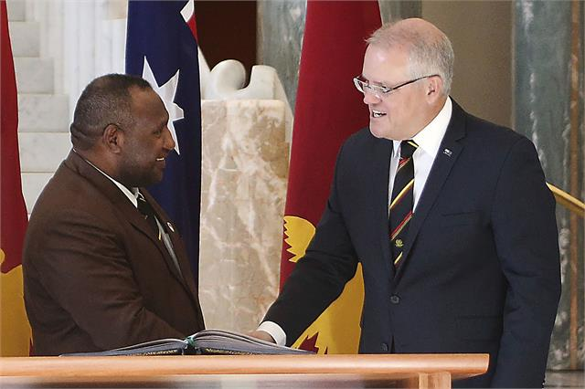 australian leader dismisses reports of china built city