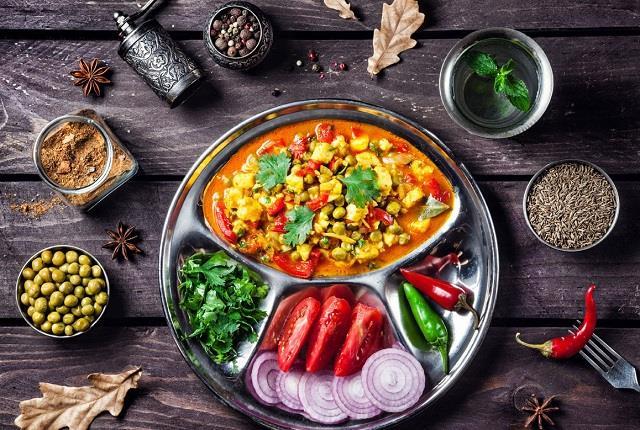 क्या है Ayurvedic Diet? जानिए दिनभर कैसा हो आपका खानपान