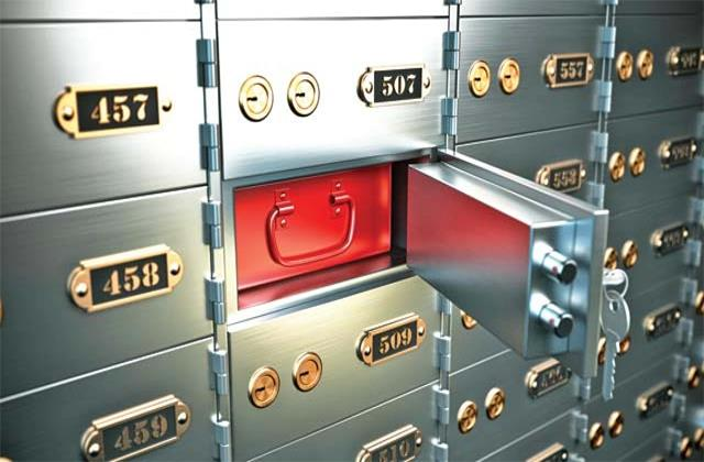 supreme court orders rbi regulations made on bank locker in 6 months