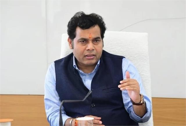 minister shrikant sharma to test development plans in bareilly