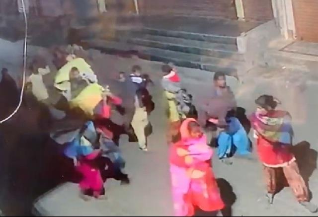 around 15 women and children stolen clothes from boutique