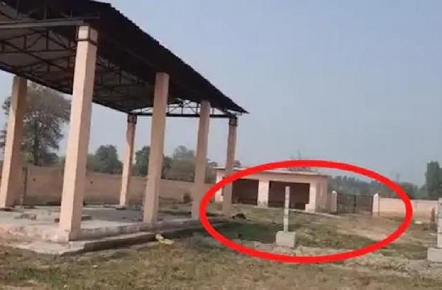cremation ghat divided among castes by wire