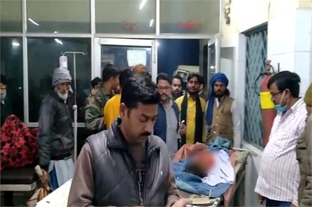 child dies in shahjahanpur under suspicious circumstances one seriously injured