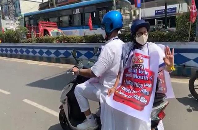 west bengal chief minister mamata banerjee bike rally