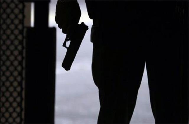 gangster arrested 2 youths from punjab