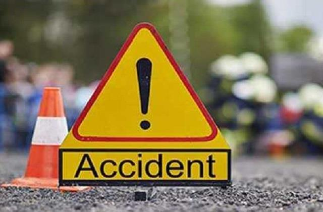 2 youths killed other one injured in bajpur road accident