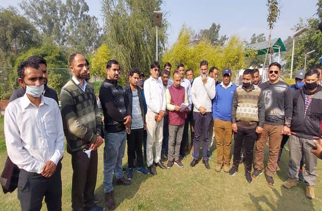 teachers protest fortheir demands at kathua
