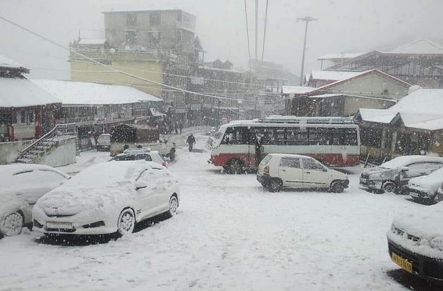 first snowfall of 2021 snowfall starts in chail rain continues in district