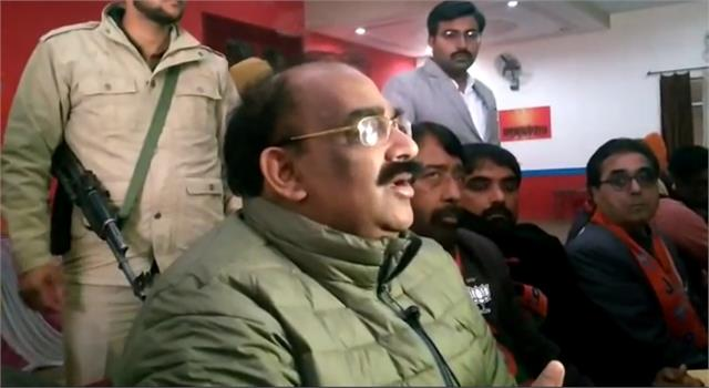 bjp state president ashwani sharma s car attacked in ferozepur