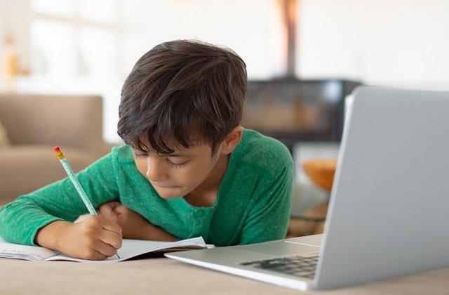 स्कूल बन रहे कोरोना वायरस Hub, अब Online होगी इन कक्षाओं की परीक्षा