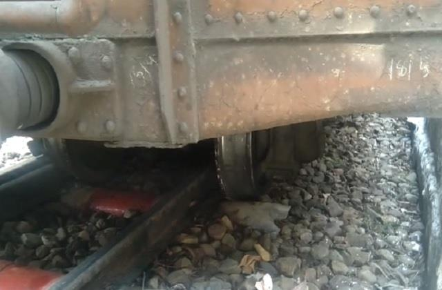 the wheels of the departmental train derailed near barog