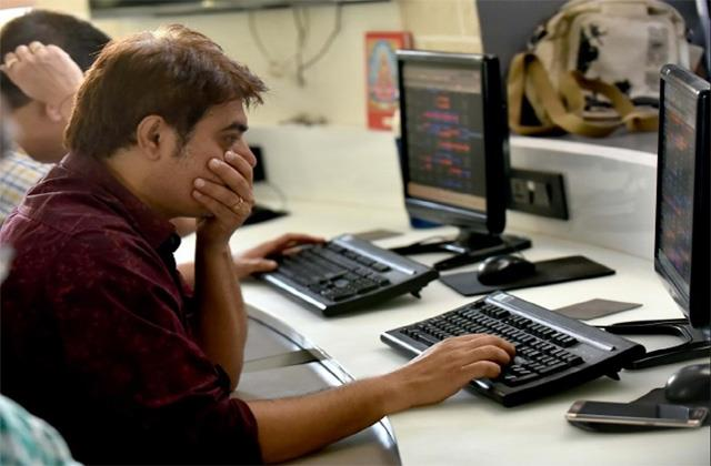 market slips below 50 thousand know big reason for decline in stock market