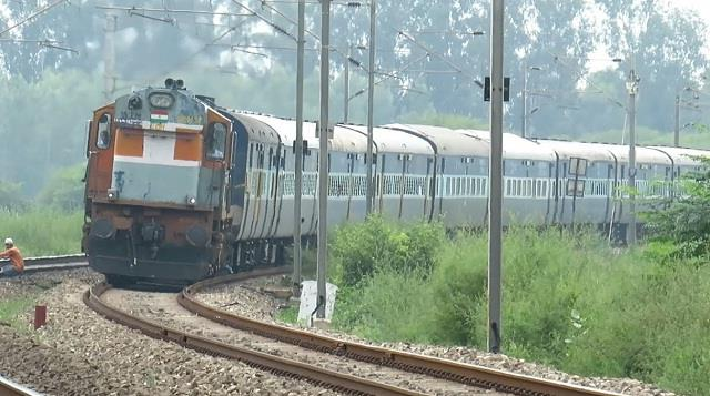 bikaner haridwar express will now be stay in kalanaur