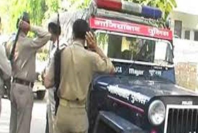 accusations of cow slaughter with police one accused injured