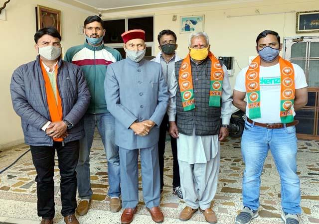 former booth head left congress and joined bjp