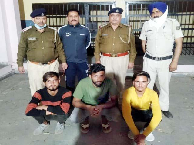 3 youths arrested in theft case
