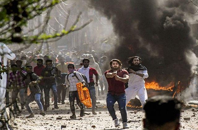 riot fuss and andher nagari chaupat raja ki parsal