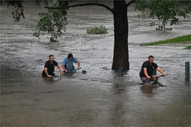 floods in australia break 100 year record