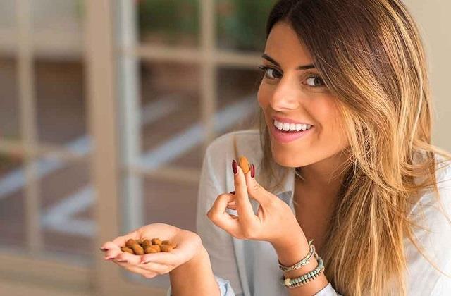 Health Tips: सूखे मेवों के इन कॉम्बिनेशन से करें दिन की शुरुआत, हमेशा रहेंगे सेहतमंद