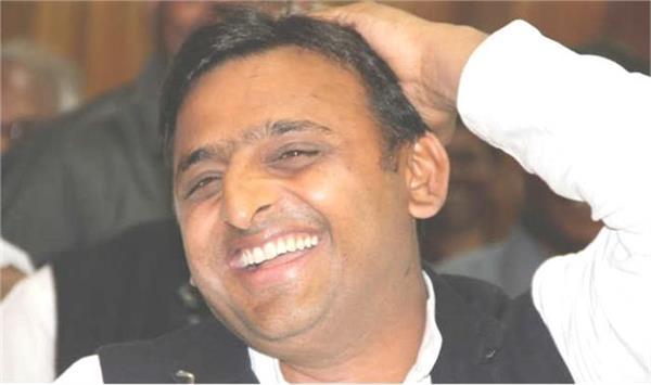 akhilesh yadav attacked bjp on kisan mahapanchayat