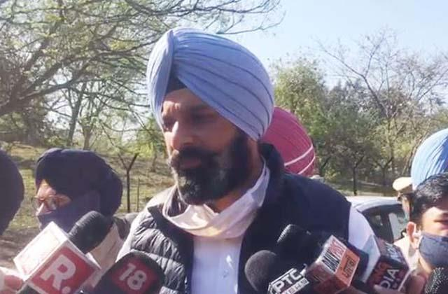 majithia and sirsa face to face on the issue of deep sidhu