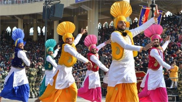 indian classical music bollywood and bhangra added to uk s new curriculum