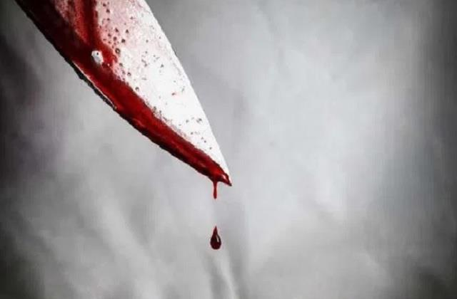 up blood soaked lover girlfriend found traumatized on the road