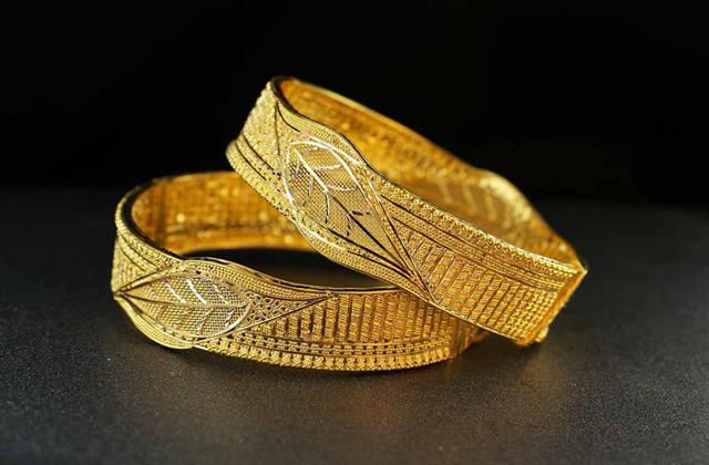 gold has started increasing again prices came to 45 thousand