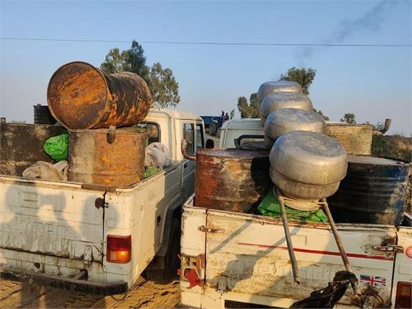 police raid in satluj dariya illegal alcohol recovered