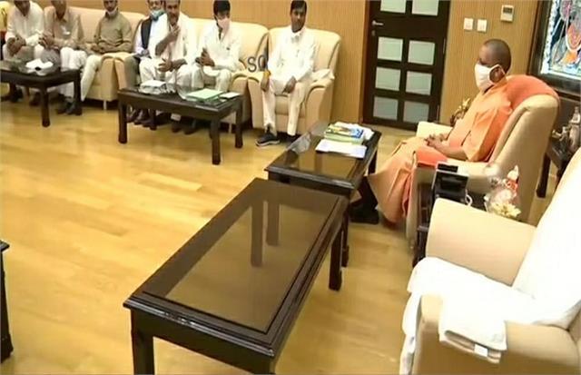 peasant movement khap chaudhary of western up met cm yogi