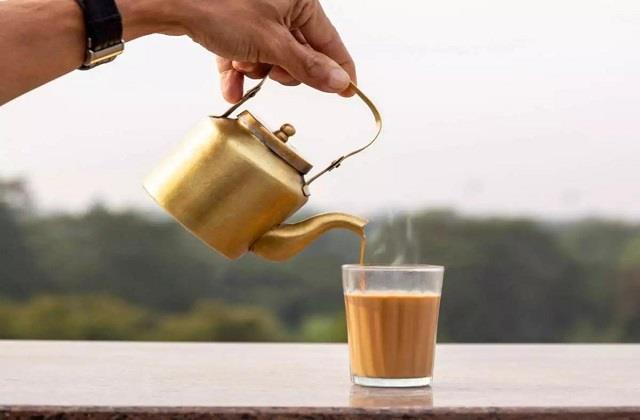 OMG: यहां 1,000 में बिकती है चाय की प्याली, जानिए क्या है वजह