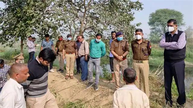 in kasganj lover girlfriend s bodies found hanging from tree