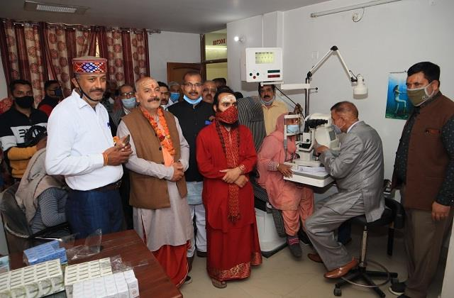 free eye check up camp held in una more than 150 tests done