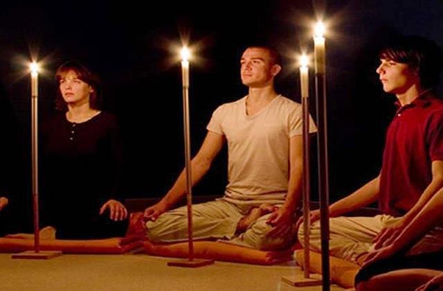 रोजाना करें त्राटक योगा, बढ़ेगी स्मरण शक्ति और आंखों की रोशनी