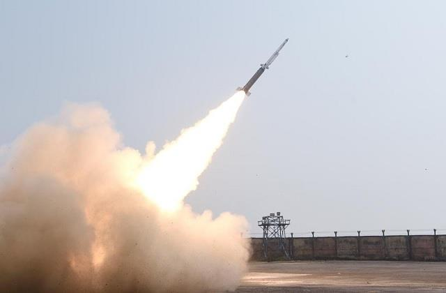 drdo successfully test fires sfdr missile 100 100 km range