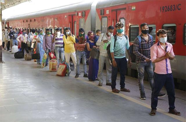 platform tickets increased by 5 times to pay 50 rupees at railway