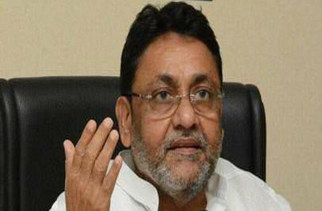 maharashtra minister who came to the rescue of anurag and tapasi