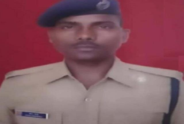 rpf head constable saved woman s life by jumping on rail became martyr herself