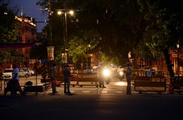 curfew will remain in rajasthan from six in the evening to five in the morning