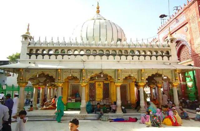 corona effect hazrat nizamuddin dargah closed know how long the entry ban