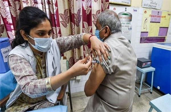 more than 17 lakh people get vaccine first