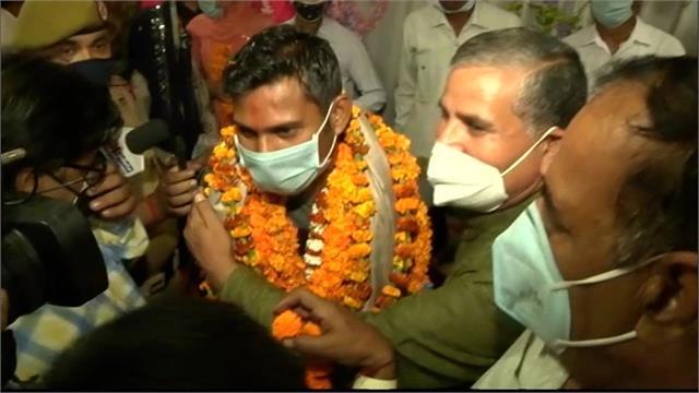rakeshwar left home left from clutches of naxalites