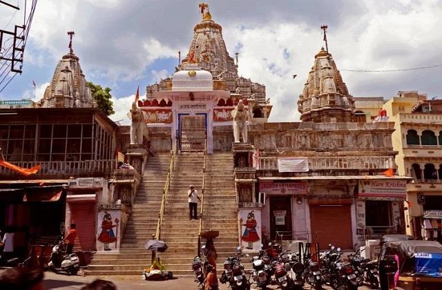 lingaraj temple closed for devotees
