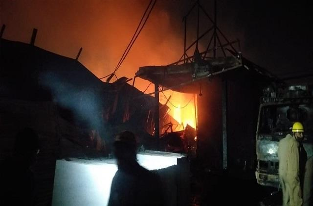 scorching fire in furniture market of shastri park in delhi 250 shops engulfed
