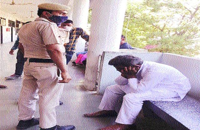 former panch caught red handed taking bribe compromise in crime case