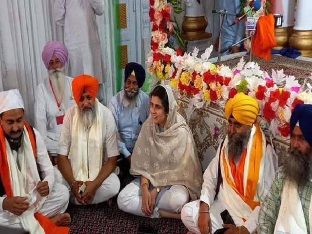 over 800 indian sikh pilgrims affected by protests in pak reach panja sahib
