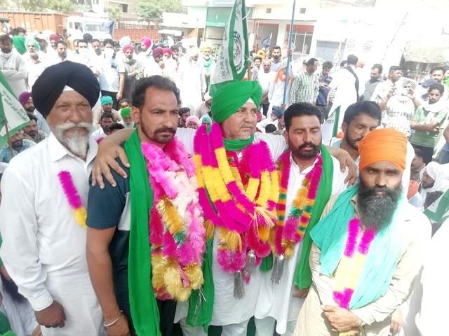 5 other farmers surrender in case of attack on bjp mla